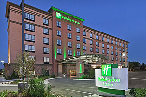holiday_inn_hotel_suites2